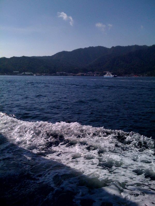 宮島に渡ります